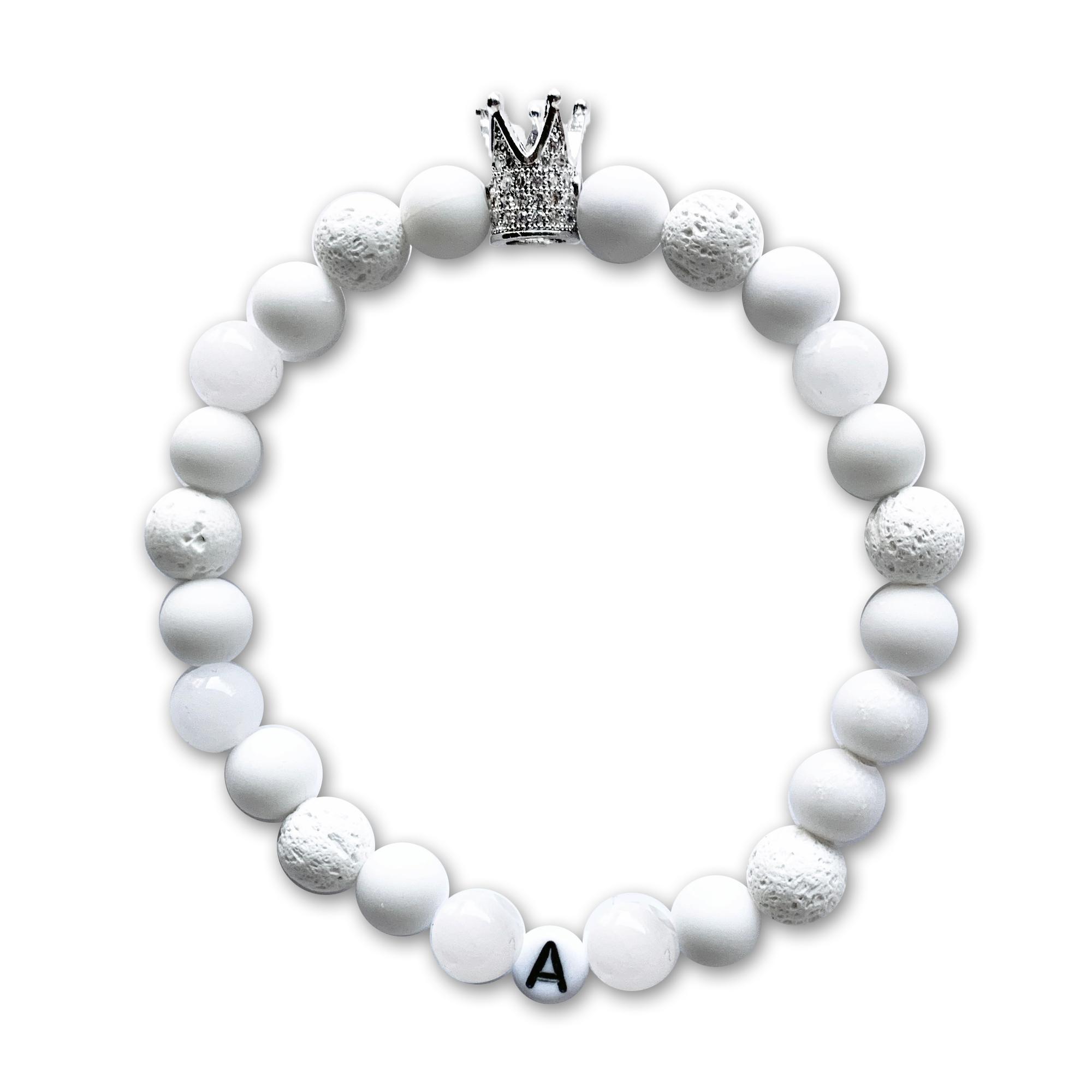 Biely kombinovaný s písmenom a korunou